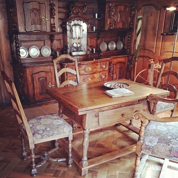 Гостиная в музее Суворова в Андерматте.