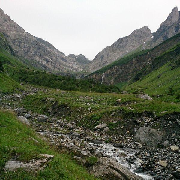 Перевал Паникс. Войска Суворова шли по глубокому снегу, в густом тумане, при снегопаде и сильном ветре.