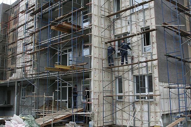 Вопросами строительства и ЖКХ в Новосибирской области отныне будут заниматься разные структуры.