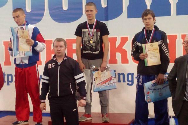Тагильчанин стал вторым кик-боксером в мире среди юниоров