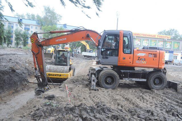 В Омске активно занимаются строительством дорог.