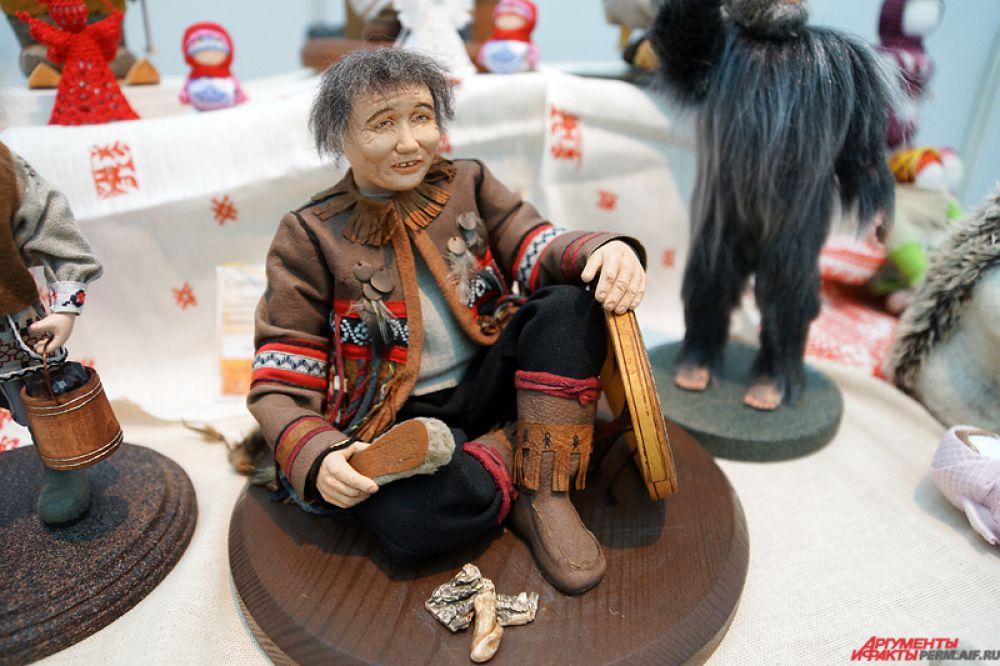 Статуэтки северных народов посвящены своим древним мифологическим традициям.