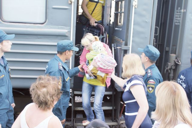 Среди приехавших в Омск беженцев много семей с детьми.