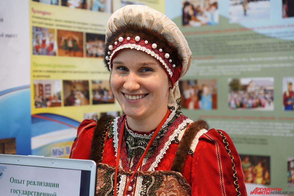 Коми-пермяцкие девушки ослепляли зрителей своей искренней улыбкой.