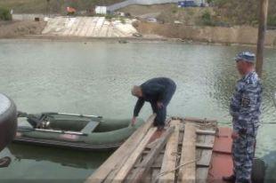 Правоохранители спасли и оштрафовали пьяного рыбака