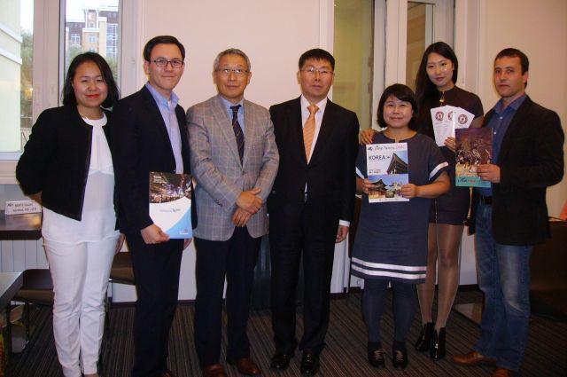Делегация из Южной Кореи прибыла в Омск, чтобы рассказать о своей стране и пригласить сибиряков в гости.