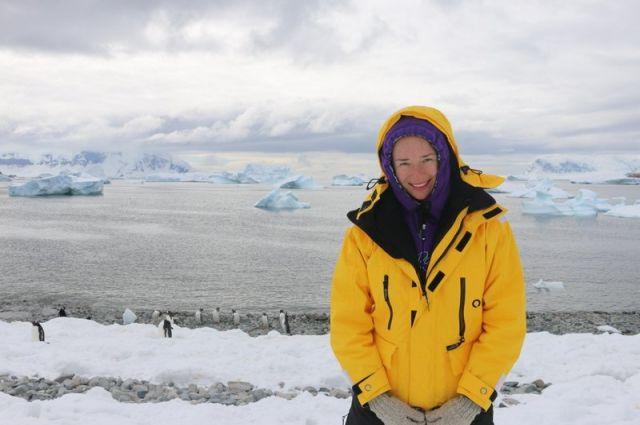 Путешественница побывала в Антарктиде.