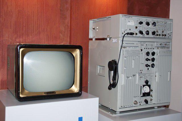 Экспонаты в музее радиозавода им. Попова.