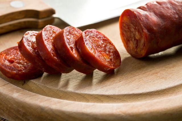 Свердловские санитарные врачи забраковали 20% мяса и колбасы