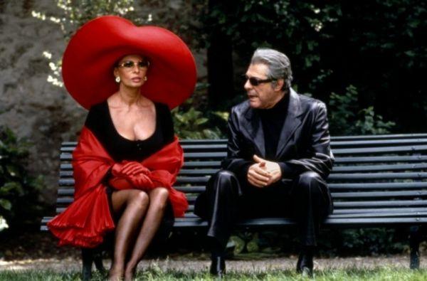 С 1970-х годов знаковых ролей в кино становится все меньше. Последней совместной работой двух звезд итальянского кино – Марчелло Матроянни и Софи Лорен - стал фильм «Высокая мода» (1994). Через год актриса снялась еще в фильме «Старые ворчуны разбушевались», а в 2002 году Софи Лорен обрадовала публику появлением в фильме своего младшего сына «Только между нами».