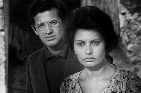 За роль в неореалистическом фильме «Чочара», снятый по роману Альберто Моравиа, Лорен получила «Оскара».