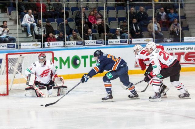 «Авангард» уступил «Амуру» во втором матче.