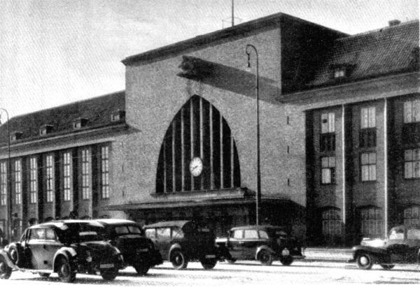 19 сентября 1929 состоялось торжественное открытие Главного вокзала Кенигсберга.