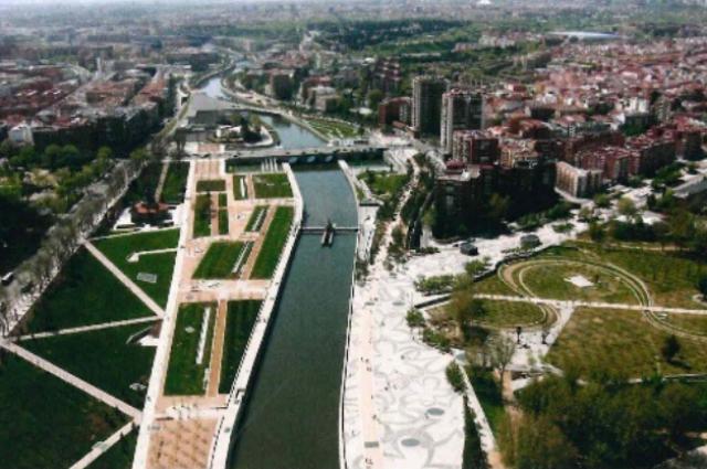 Работа испанской команды Burgos & Garrido arquitectos для градостроительного конкурса.