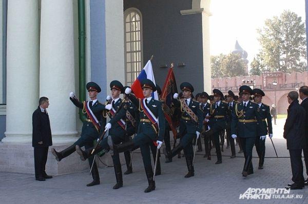 В марте 2014 года в Туле состоялась церемония крепления нового знамени УМВД России по Тульской области к древку, 19 сентября состоится церемония вручения знамени.