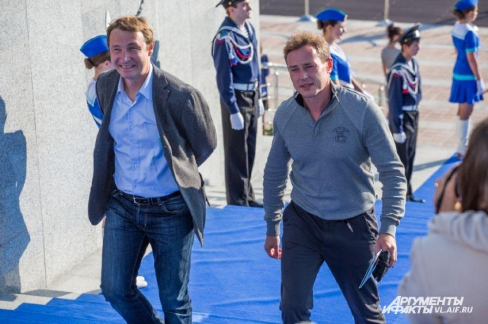 Актёр Андрей Кайков (слева).