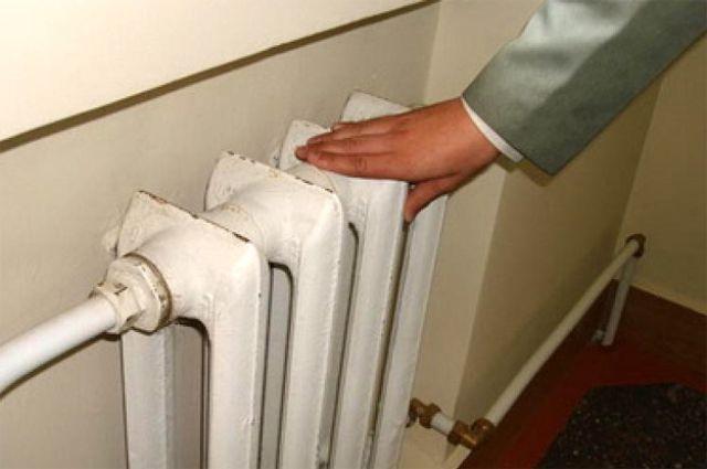 В столице Урала тепло пустили в 2 тысячи многоквартирных домов