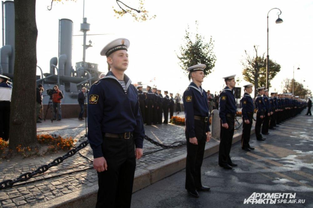 На время ремонта крейсера все музейные предметы будут храниться в фондах Центрального военно-морского музея.