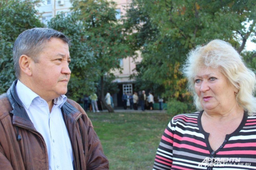 Заместителю главы города Сергею Лигаю жители сказали спасибо за то, что он внимательно относится к их обращениям.