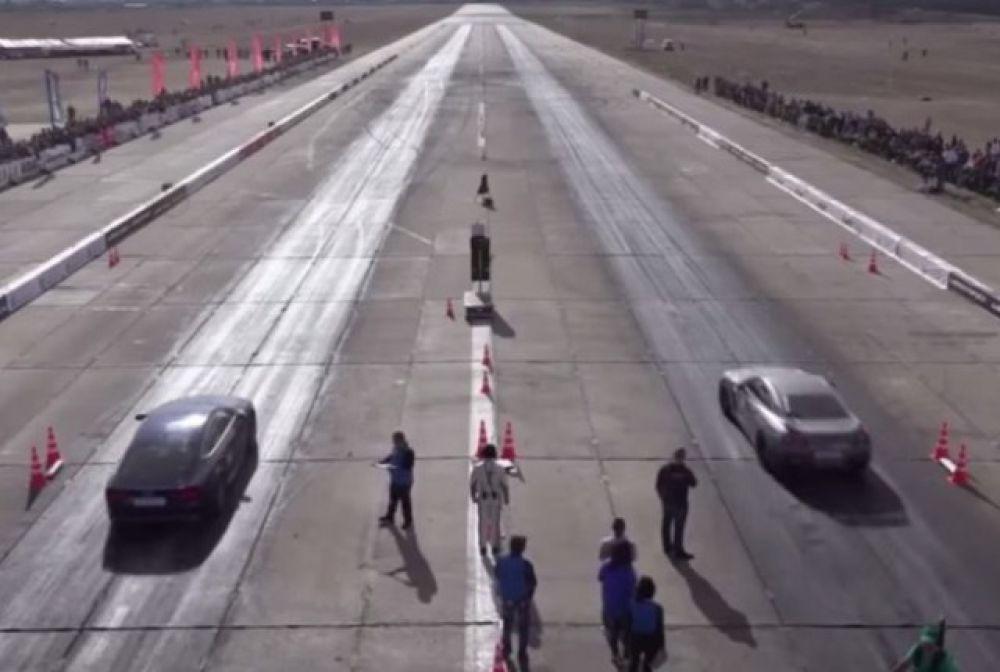 В Крыму во время гонок на ускорение разбился пилот