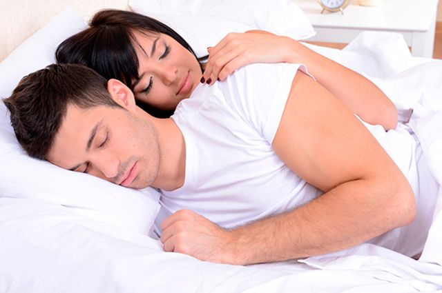 О чем говорят ночные позы во время сна (10 фото) | 425x640
