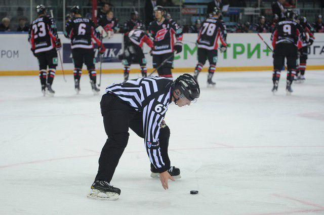 Омский «Авангард» одержал победу над ярославским «Локомотивом».