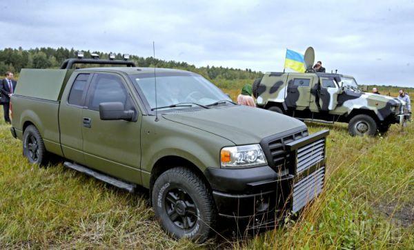 Под Киевом демонстративно обстреляли бронетехнику для сил АТО
