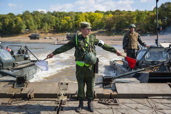 В рамках манёвров военнослужащих необходимо будет также навести переправы по маршруту передвижения войск.