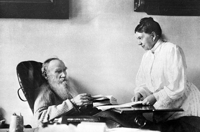 Лев Николаевич Толстой и Софья Андреевна Толстая.
