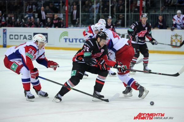 Хоккейный матч «Авангард»-«Локомотив».