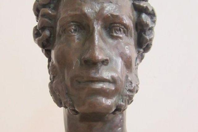 Скульптура Пушкина М.К. Аникушина