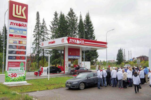 АЗС № 137 в Полазне полностью автоматизирована. Водители оплачивают бензин через терминалы.