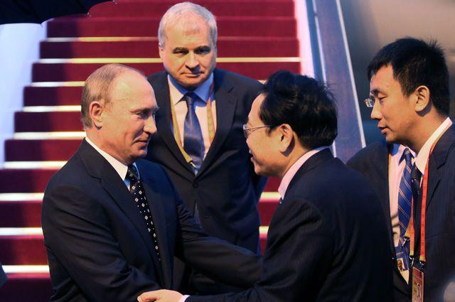Владимир Путин во время визита в Китай