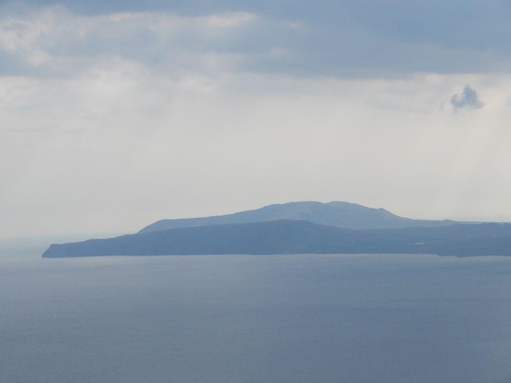 Коктебель не зря переводится с крымскотатарского языка как «край голубых холмов».