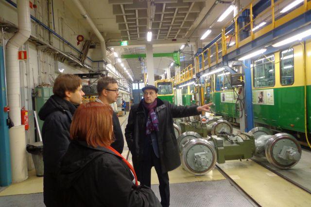 Деловые встречи российских и финских предпринимателей: посещение трамвайного парка г.Хельсинки (Финляндия).