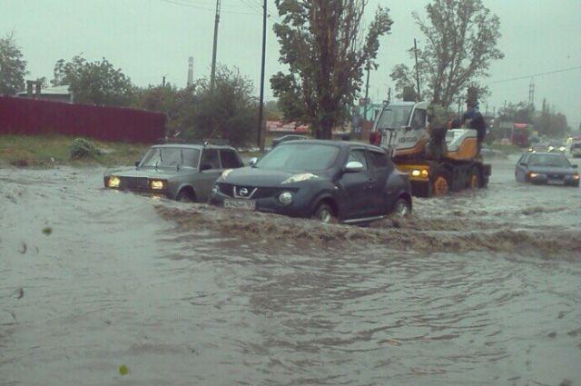 Улицы Таганрога затопило