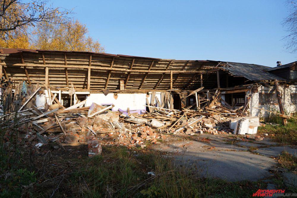 Больше недели прошло после демонтажа конюшен на пермском ипподроме.