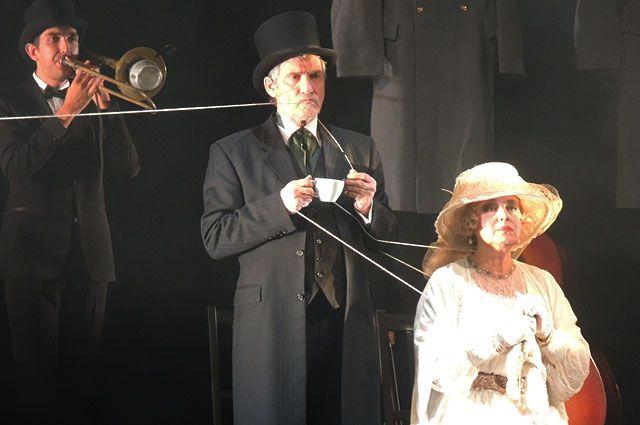 Валерий Гаркалин и Елена Шанина исполняют главные роли в постановке «Война».