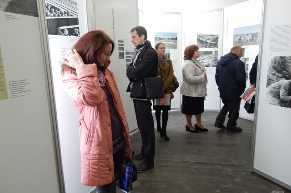 Экспонаты выставки – фотографии военнопленных и их воспоминания – производят тяжелое впечатление.