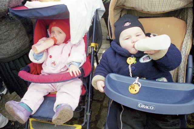 Самое полезное для малышей молоко - грудное.