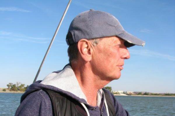 Известный сатирик Михаил Задорнов с видом на Цимлянское море.