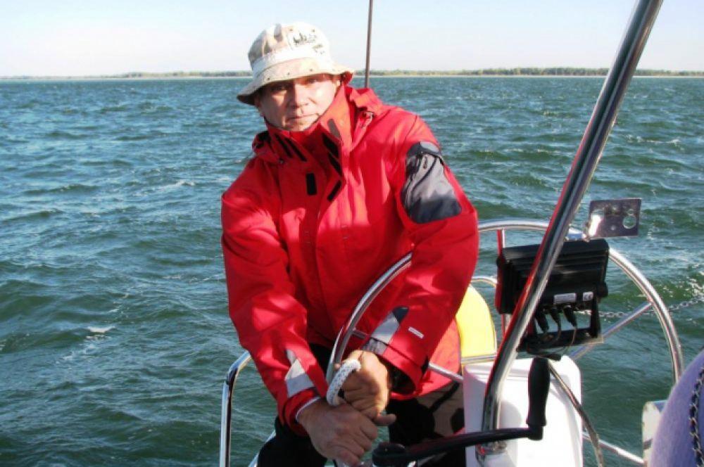 Волгодонский предприниматель Олег Слесарев, предоставивший яхту.