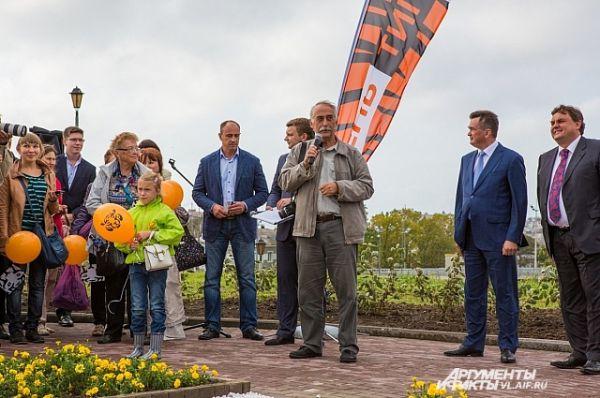 Несколько стихотворных строк посвятил тиграм автор праздника - Дня тигра во Владивостоке.