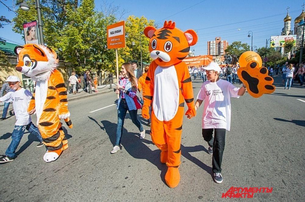 С каждым шагом тигров становилось больше.