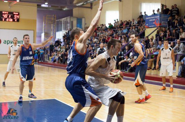 Челябинские баскетболисты «Динамо» одержали первую победу на кубке России