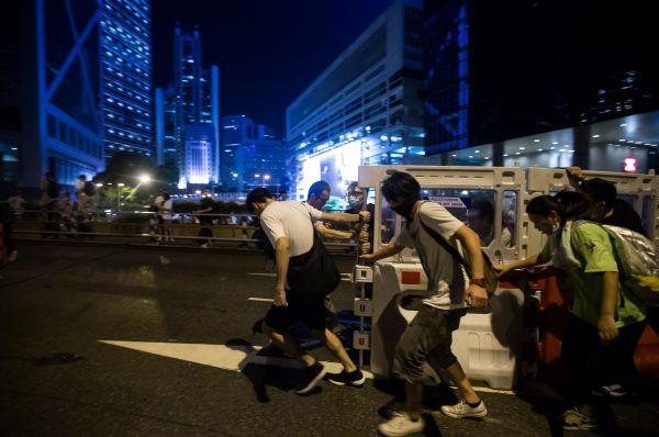 Несмотря на жёсткий отпор со стороны властей, активисты «Оккупай Централ» заявили о намерении продолжить протестные акции.