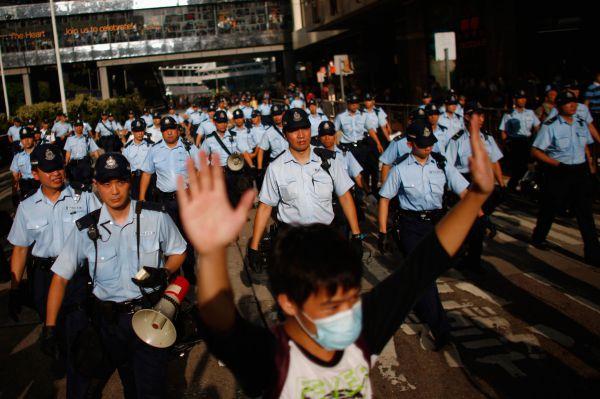 Власти в ответ на выступления активистов заблокировали доступ к популярному онлайн-фотосервису Instagram.