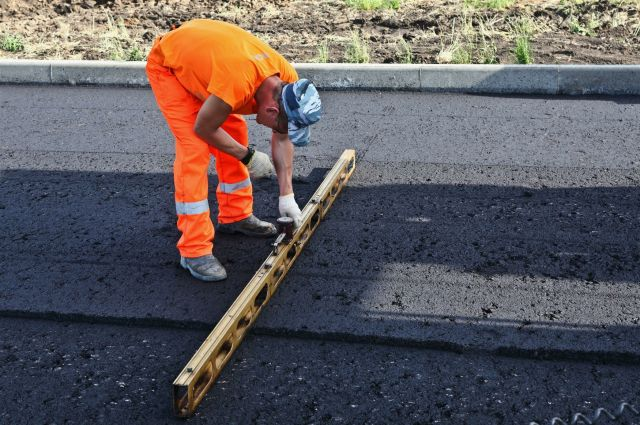После реконструкции дорога на ул. Андрианова станет четырехполосной.
