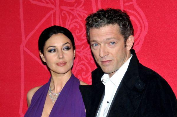 На съёмках «Квартиры» Беллуччи познакомилась с актёром Венсаном Касселем. Через пять лет они поженились, но в августе прошлого года пара распалась.