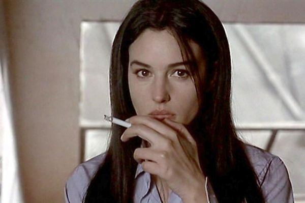 После «Дракулы» посыпались предложения, она снялась в серии фильмов но после роли Лизы в картине «Квартира» она получила широкое признание и была номинирована на премию «Сезар» как «Подающая надежды актриса».